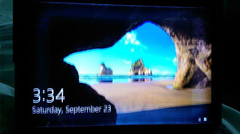 Microsoft sẽ thay mới Surface Pro 4 nếu gặp lỗi màn hình nhấp nháy