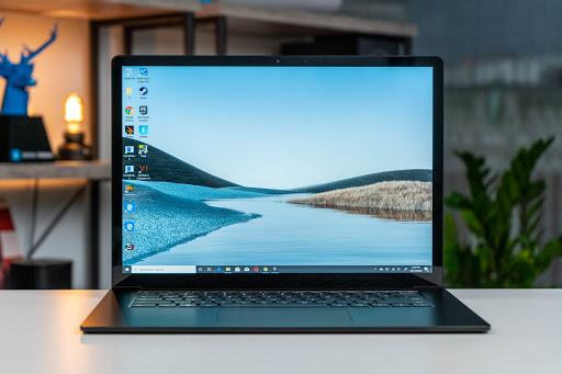 Ai cũng hy vọng sở hữu một chiếc Surface Laptop đẹp bên ngoài, tốt bên trong