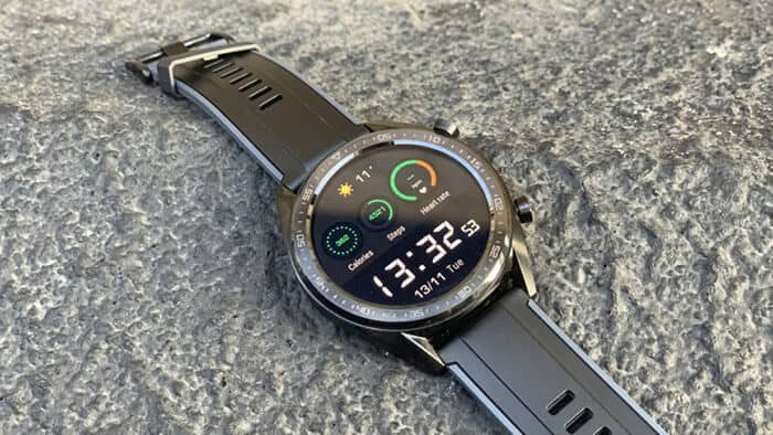 Samsung Galaxy Watch với Huawei GT