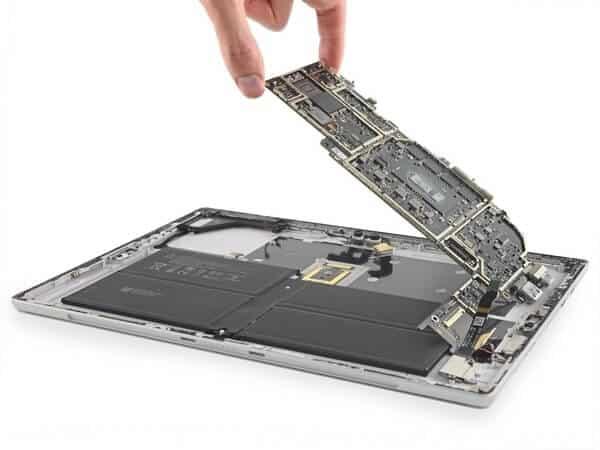 Tháo rời các bộ phận của Surface Pro 6 21