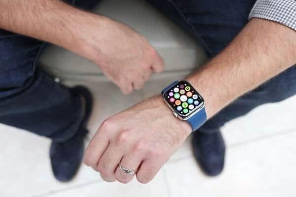 tính năng của apple watch series 4