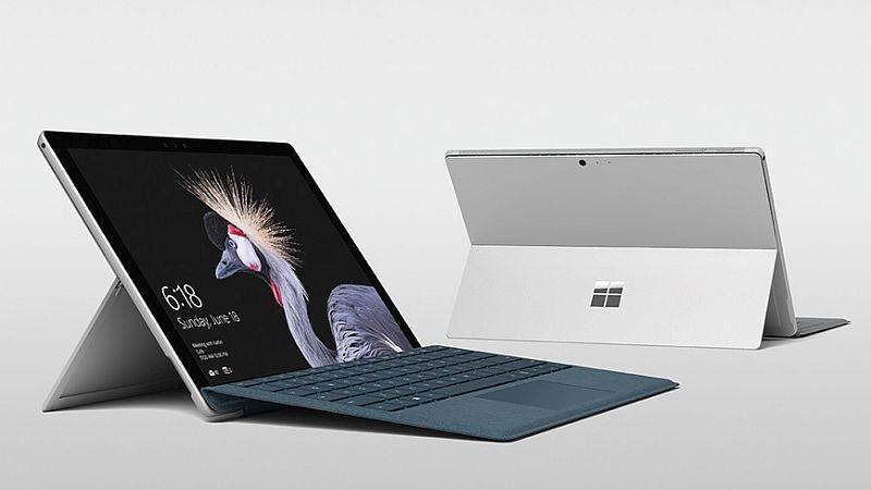 Tính linh hoạt này làm cho Surface Pro 6 là sự lựa chọn tuyệt vời cho du khách ngồi trong ghế ngồi máy bay chật chội.