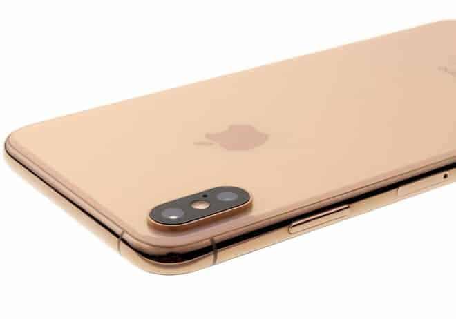 so sánh s10 plus và iphone xs max