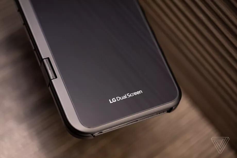 Trên tay LG Dual Screen phụ kiện khiến LG V50 ThinQ 3