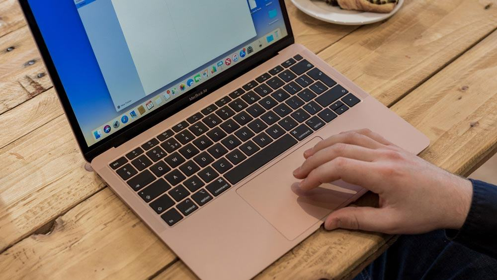 sử dụng macbook an toàn ở nơi công cộng