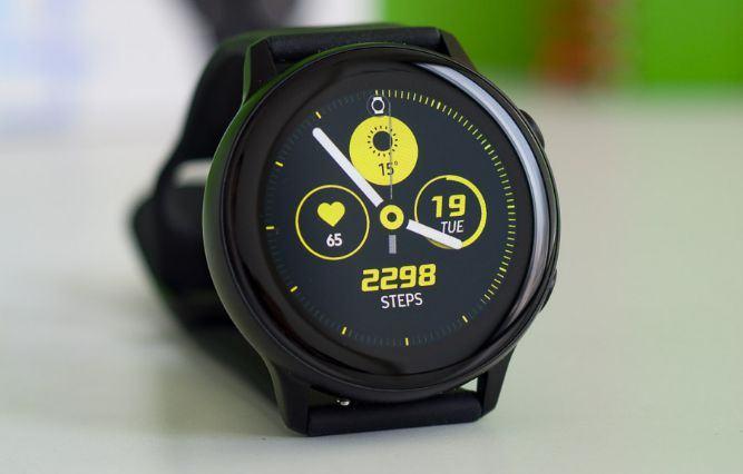mặt trước Galaxy Watch Active