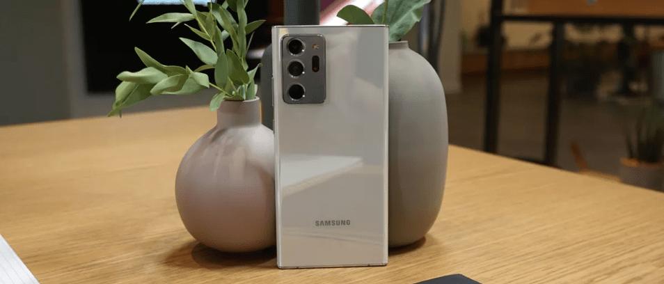 Chiếc điện thoại xứng danh Ultra.