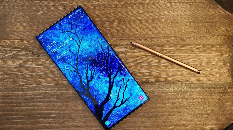 Galaxy Note 20 Ultra có màn hình 6,9 inch sáng, lớn. - Jessica Dolcourt / CNET (Nguồn: Cnet)