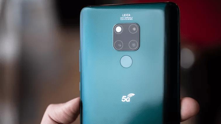 Chắc chắn không thể thiếu nhà sản xuất điện thoại 5G đình đám thế giới - Huawei. Andrew Hoyle/CNET