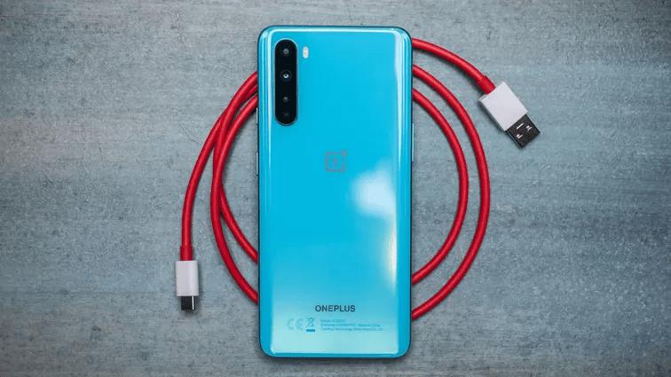 Tuy chưa chính thức có mặt tại Việt Nam nhưng OnePlus Nord vẫn là chiếc điện thoại kết nối 5G với giá phải chăng. Andrew Hoyle/CNET