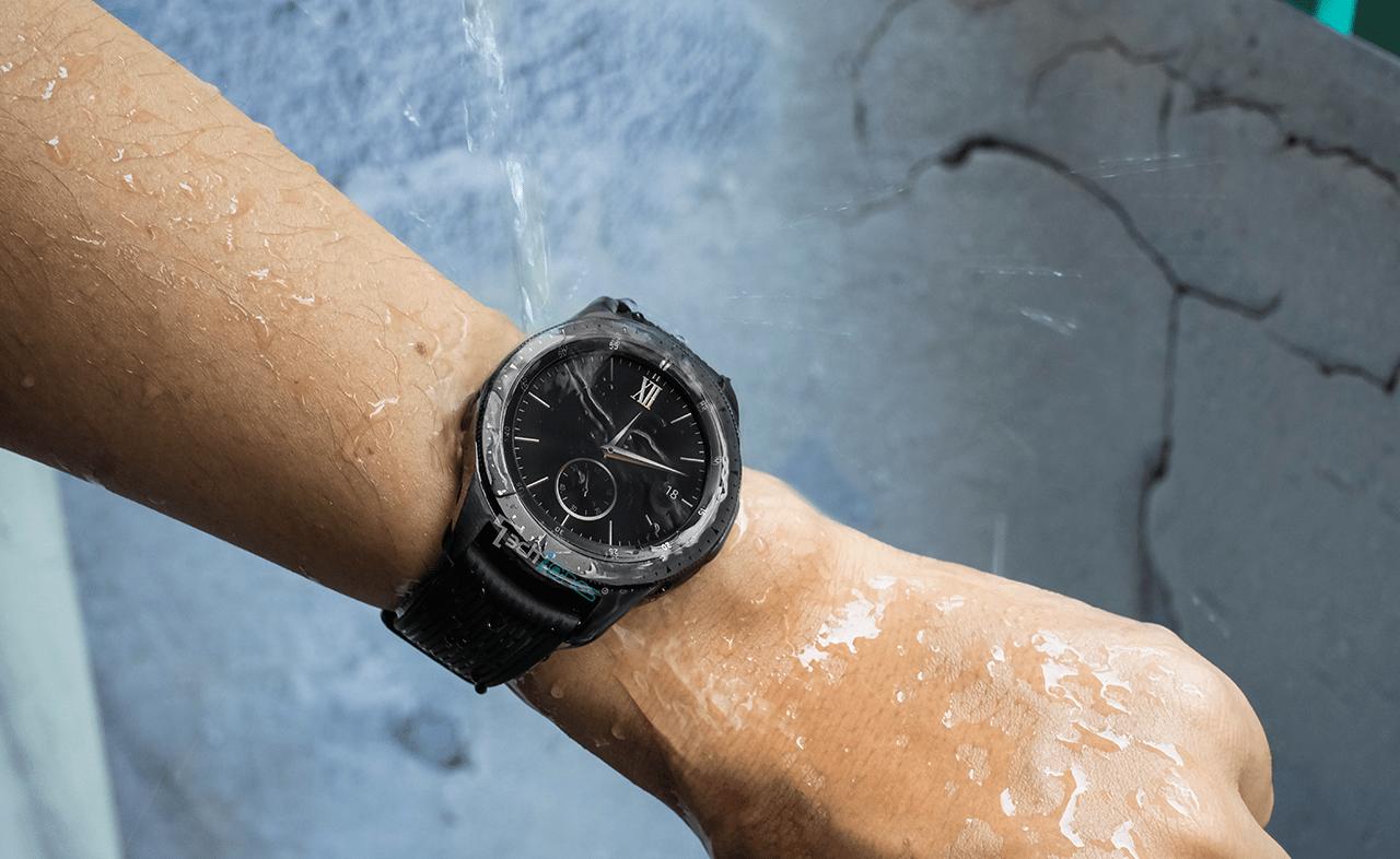 Galaxy Watch Active 2 và Galaxy Watch đều không bị hư hại do nước.