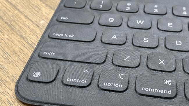 Smart Keyboard - nguồn__ Laptop Mag