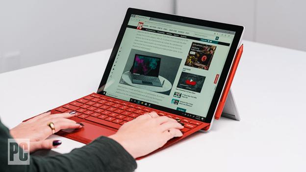 Surface Pro 7 với thiết kế cũ
