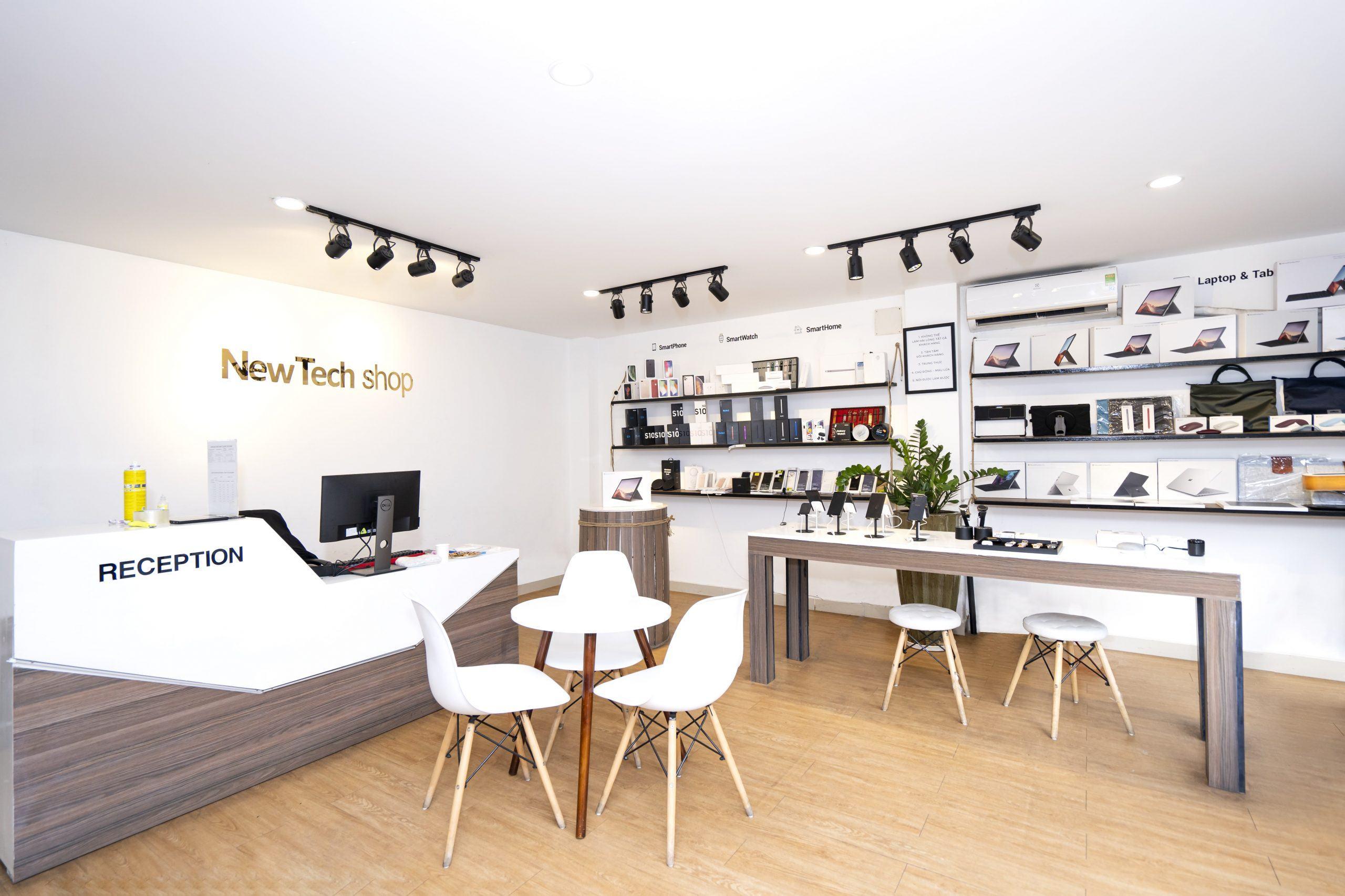 Không gian trải nghiệm tại cửa hàng NewTechshop.