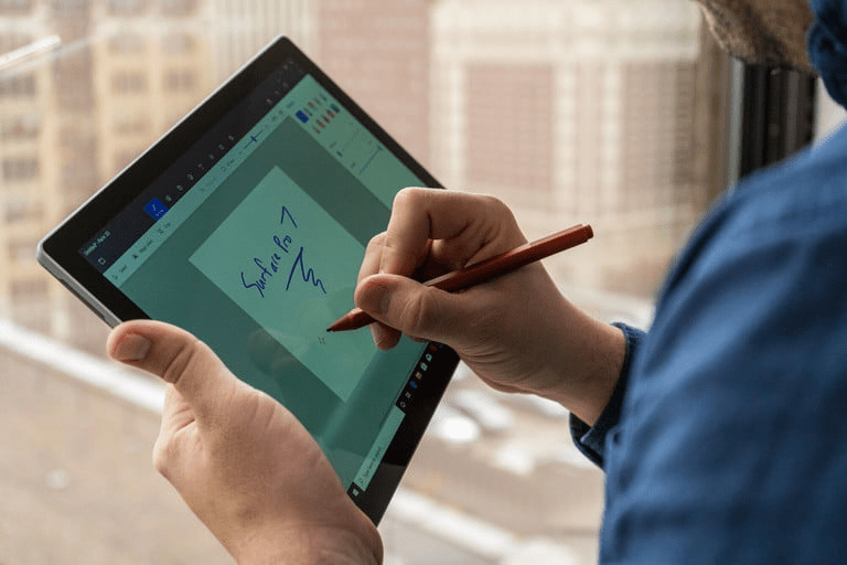 MacBook Pro và Surface Pro 7: Cuộc chiến ngang tài ngang sức của hai ông lớn 1