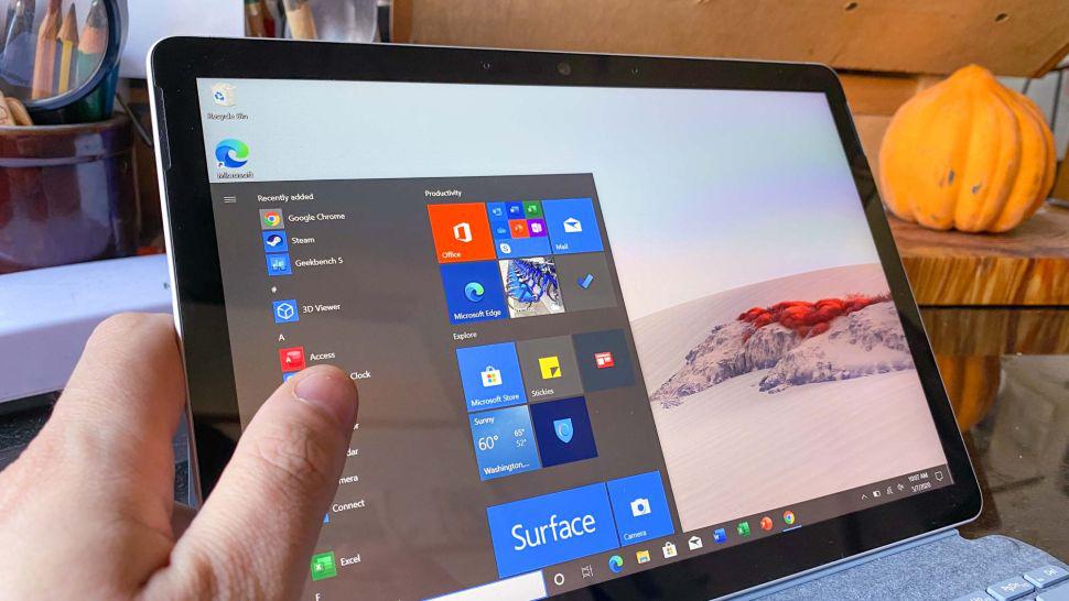 Mặc dù Windows 10 là một hệ điều hành được đánh giá cao hơn iPadOS, Surface Go 2 lại bị giới hạn bởi nó chạy Windows 10 S Mode.