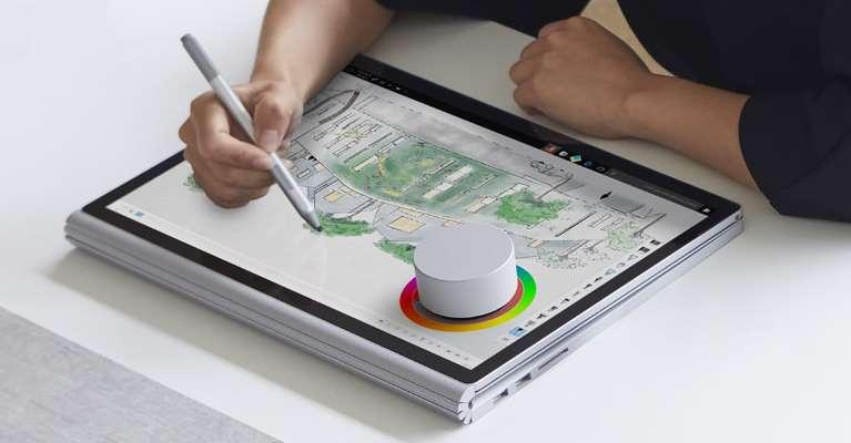Surface Book 3 và phụ kiện đi kèm