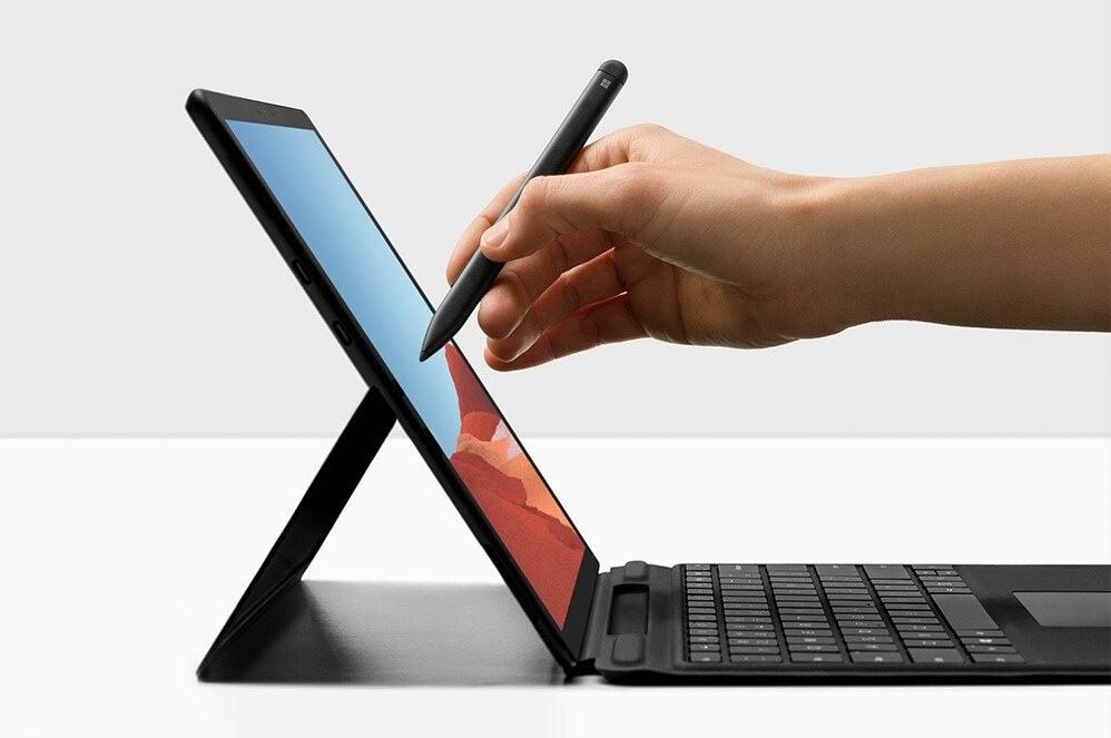 Sử dụng bút Slim Pen trên chiếc Surface Pro X