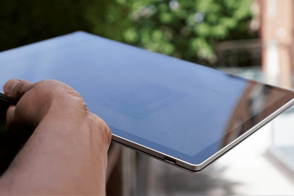 Hình ảnh thực tế của Surface Book 3 15 inch (Nguồn: Engadget)