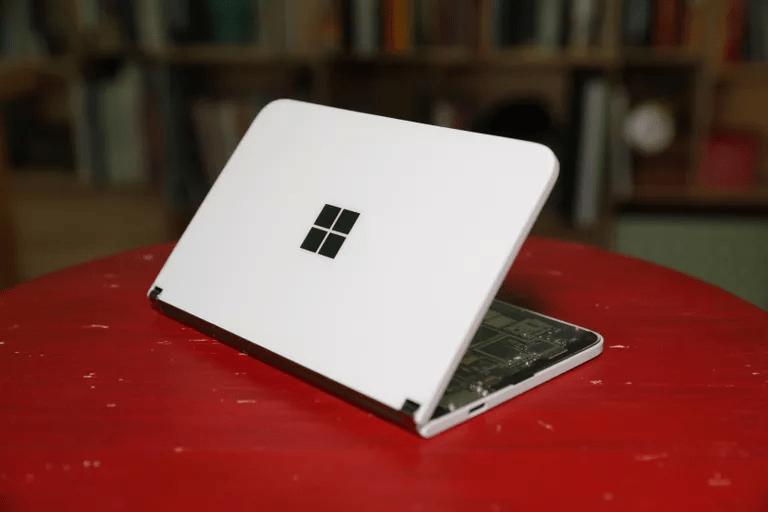 Bảy năm trước, Microsoft đã mua Nokia và bắt đầu bán điện thoại của riêng mình nhưng năm năm trước công ty đã từ bỏ và hôm nay, hãy trải nghiệm Surface Duo.