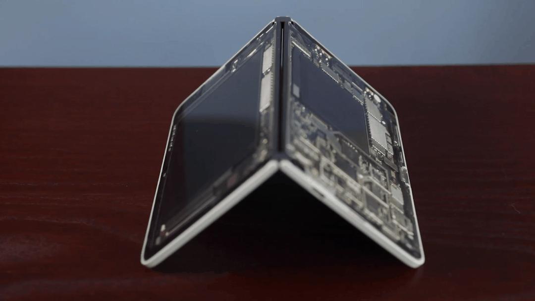 Bản lề Surface Duo nguyên mẫu @Cnet
