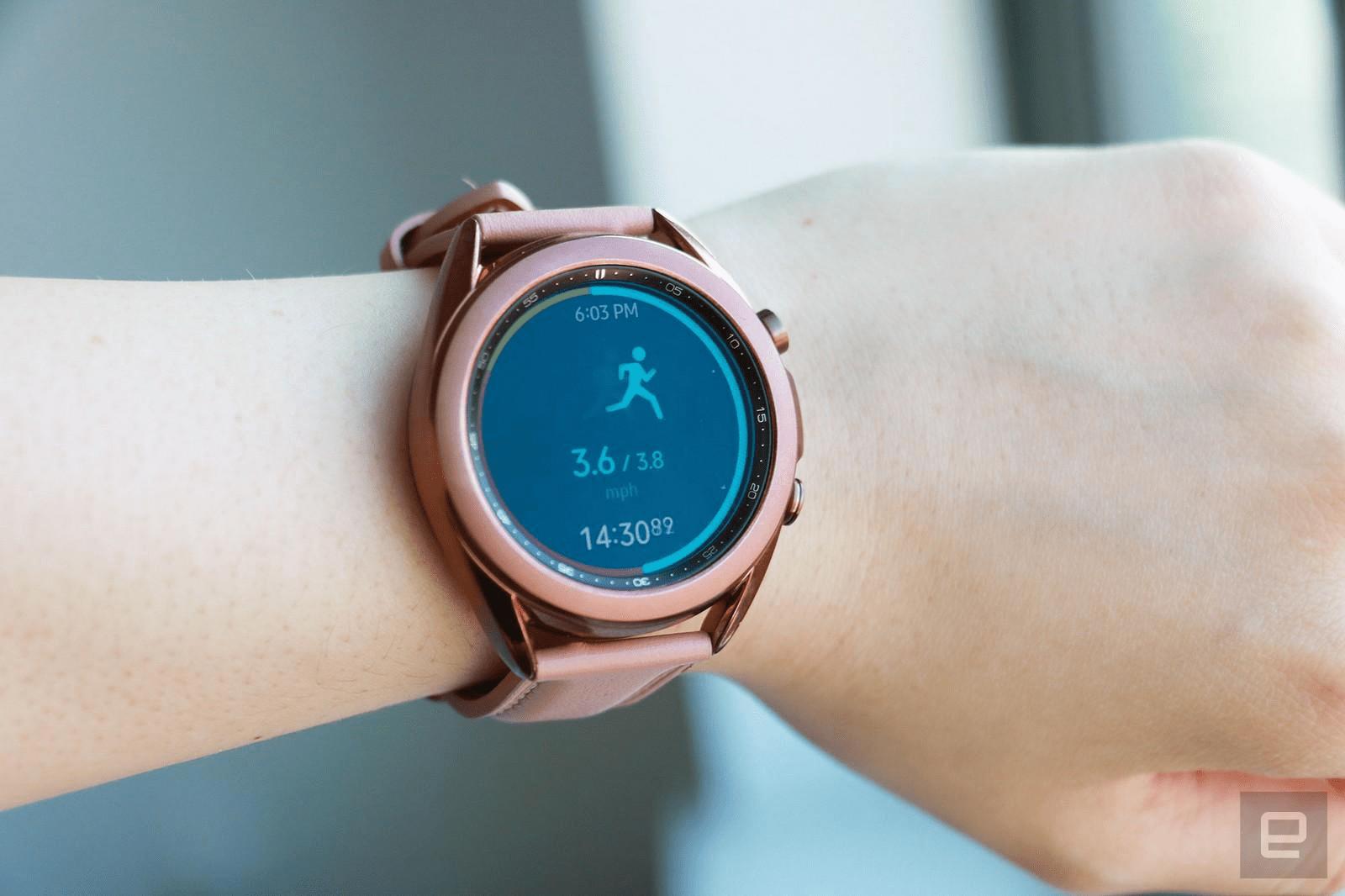 Màn hình Galaxy Watch 3 hiển thị đủ màu sắc, dễ đọc trong mọi điều kiện ánh sáng.