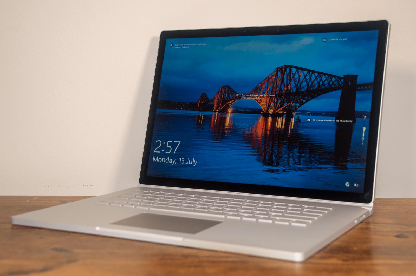 Microsoft tuyên bố rằng bạn sẽ nhận được 15 giờ sử dụng pin