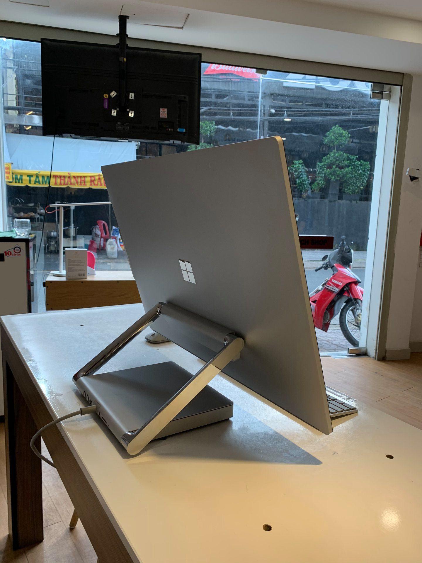 Surface Studio 2 2TB I7-7820HQ 32GB GTX 1070 8GB GDDR5 Chính Hãng 22