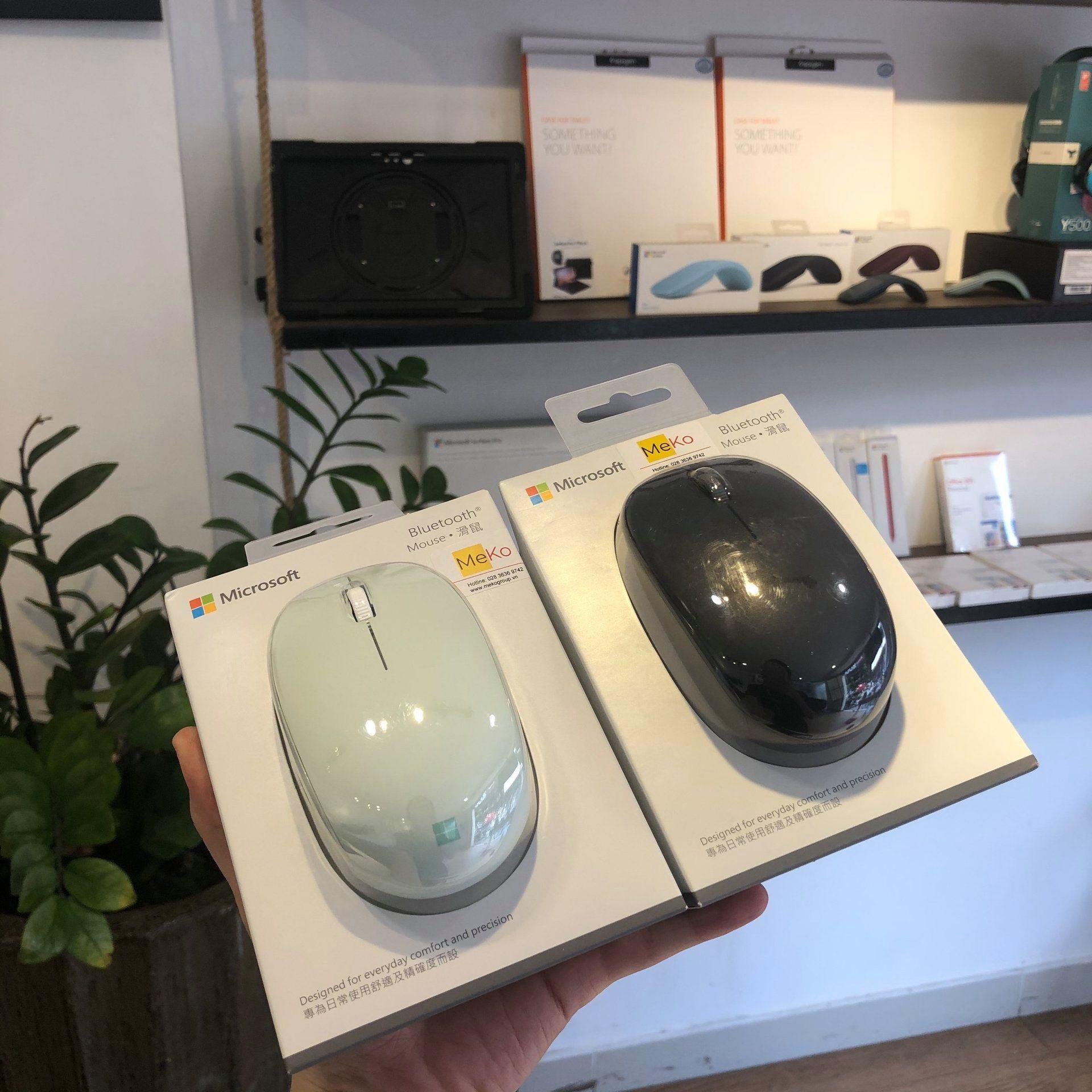 Microsoft Bluetooth Mouse 22