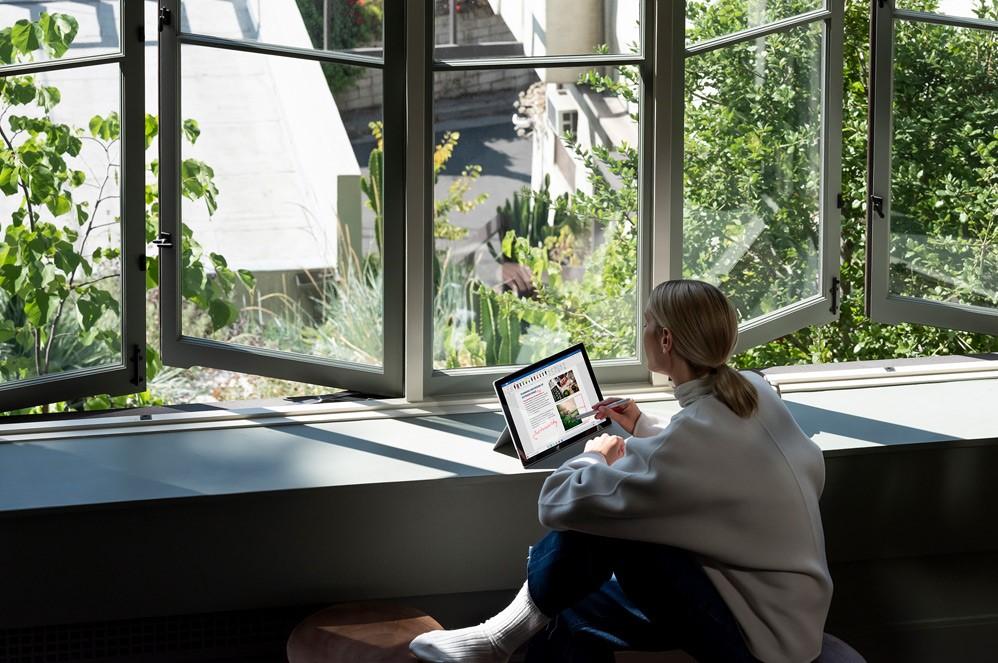 Đừng nói về thiết kế - Hãy nhìn vào hiệu suất vượt trội của Surface Pro 7 Plus