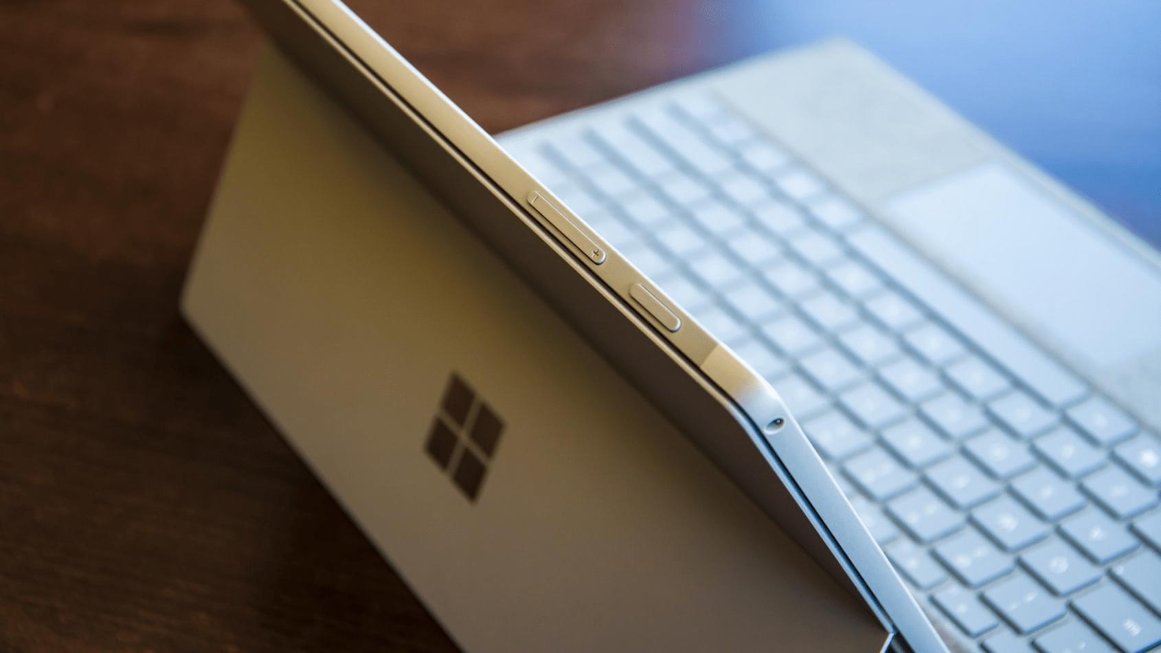 Năm 2021 rồi, liệu Surface Pro 5 còn đáng mua?