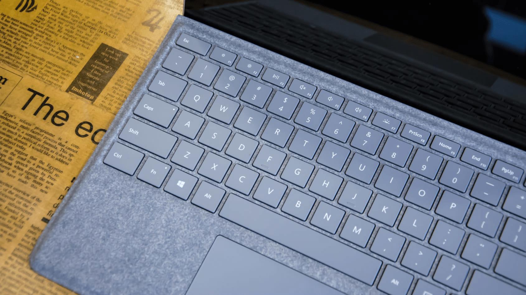 Type Cover là một điểm cộng lớn cho Surface Pro 5 (Nguồn: IT Pro)