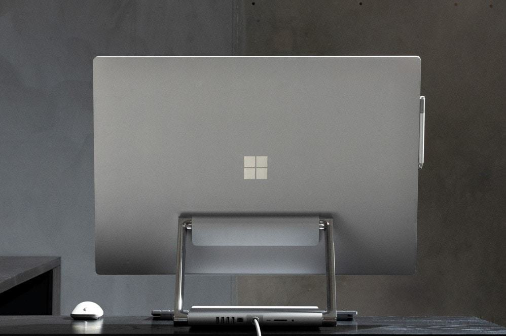 Surface Studio 2 giúp ý tưởng của bạn tuôn trào với màu sắc rực rỡ, đồ họa rực rỡ, bộ xử lý nhanh hơn, công cụ trực quan và màn hình tuyệt đẹp, có thể linh hoạt điều chỉnh