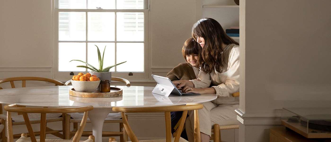Surface Go 2 có thể xử lý mọi việc cần làm trong suốt cả ngày