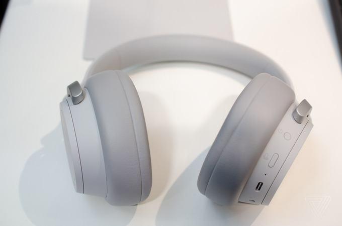 Surface Headphone 2 24