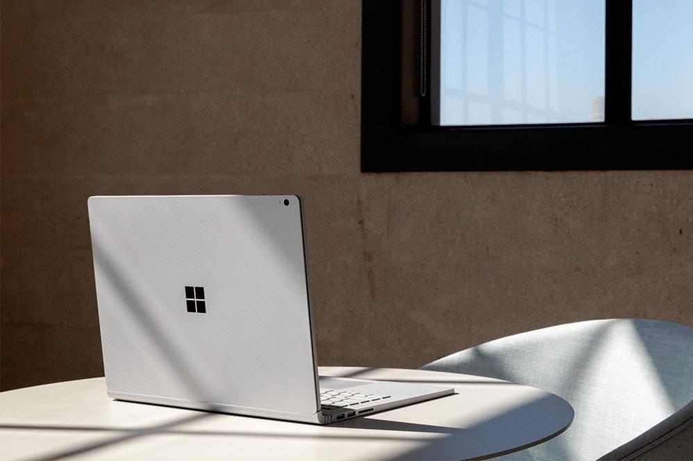 Surface book 3 13.5 inch trang bị màn hình với khả năng tháo rời