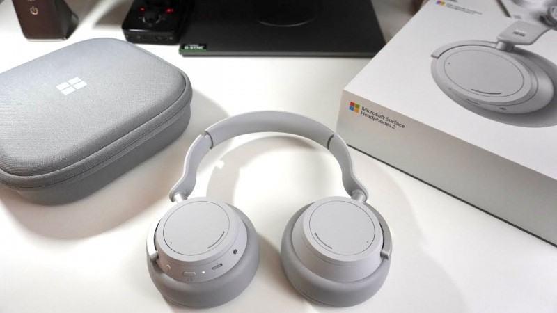 Surface Headphone 2 18