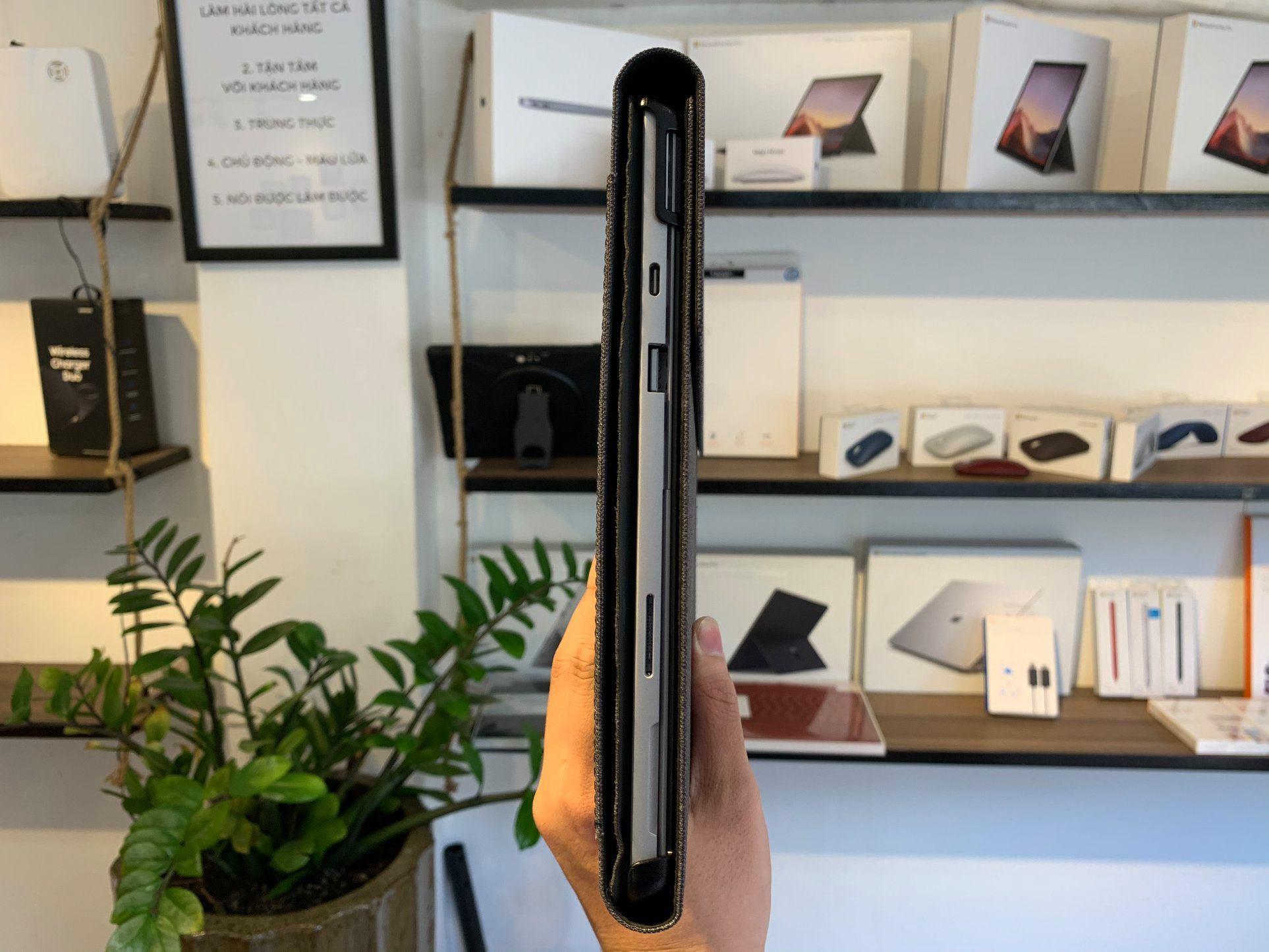 Ốp lưng Spigen Surface Pro Stand Folio - Hàng chính hãng 25