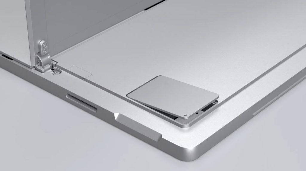 Việc thay thế, điều chỉnh ổ cứng SSD cần được thực hiện bởi kỹ thuật viên lành nghề (Nguồn: LapCity)