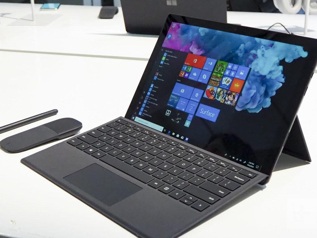 Surface Pro 6 đi kèm bàn phím