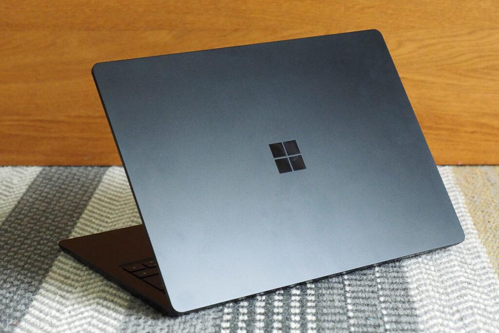 Thiết kế mới của Microsoft Surface Laptop 4 không khác là bao so với Surface Laptop 3