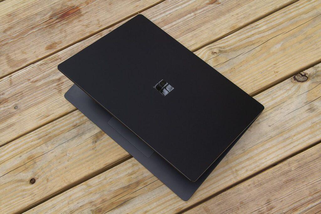 So sánh Surface Laptop 4 Và Surface Pro 7 10