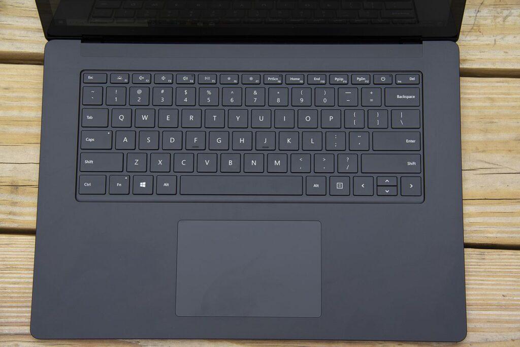 So sánh Surface Laptop 4 Và Surface Pro 7 6