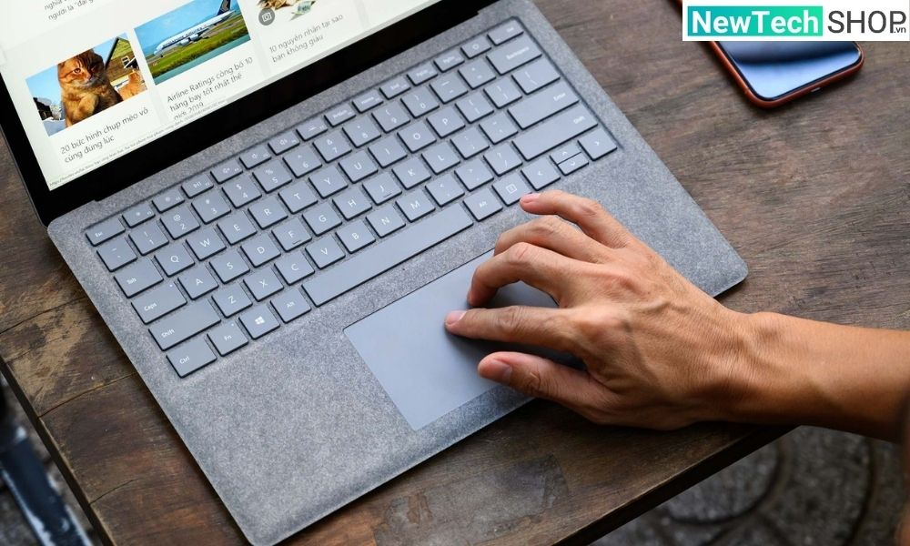 Surface Laptop 2 cũ
