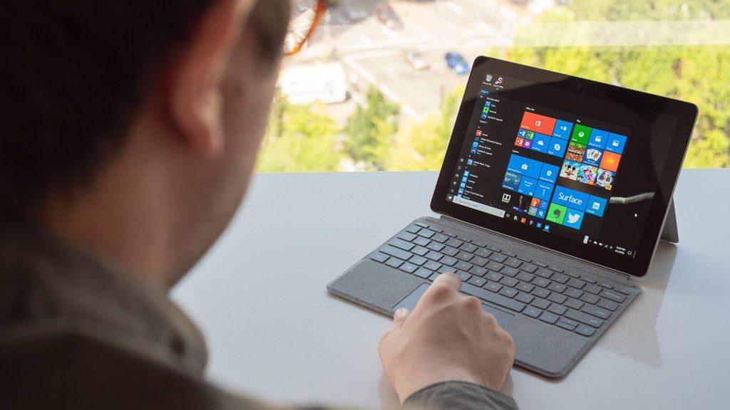 Surface GO 2 phù hợp với chi phí thấp