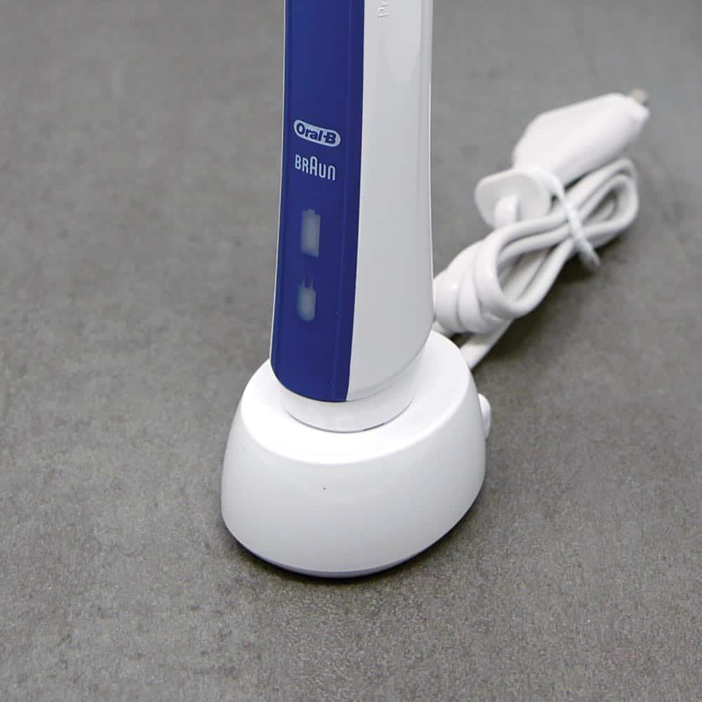 Đánh giá bàn chải điện Oral-B Pro 2 2000