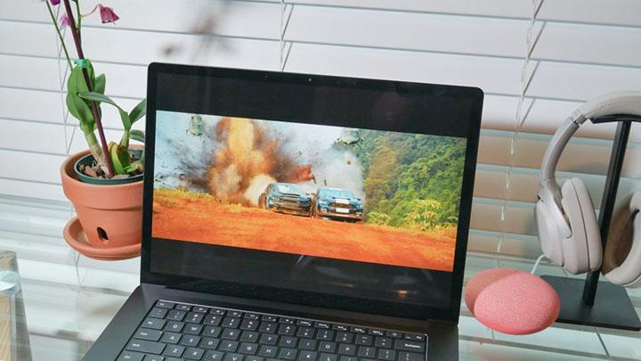 Khả năng đồ họa trên Surface Laptop 4 rất ấn tượng